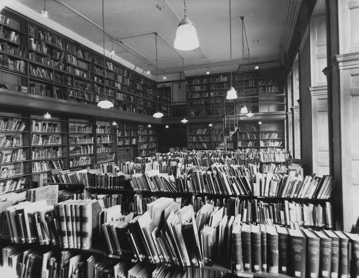 The Warburg Institute, Reading Room, Imperial Building, South Kensington, 1937-1957.© The Warburg Institute, London.